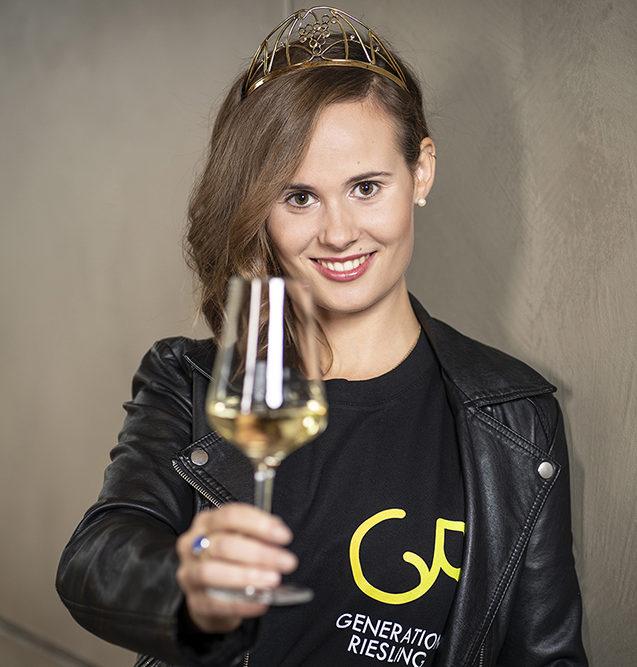 Weinprinzessin Eva Müller Portrait PRfoto